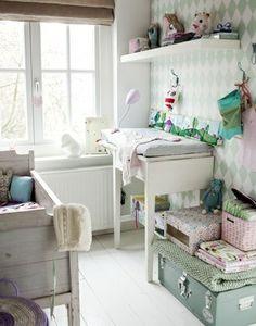 Chambre bébé dans des couleurs tout doux
