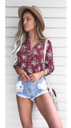 Women's summer fashion inspo outfits are looking hot with a touch of burgandy for a put together chic summer outfit. #summeroutfits #summeroutfitcasual #summeroutfitcute #summeroutfitshopthislook #summeroutfitshopcute #summeroutfit2020 #summeroutfitchic #womensfashion #cutesummeroutfits Short Outfits, Casual Outfits, Cute Outfits, Grunge Outfits, Ladies Outfits, Girl Outfits, Casual Shorts, Modest Shorts, Casual Hair