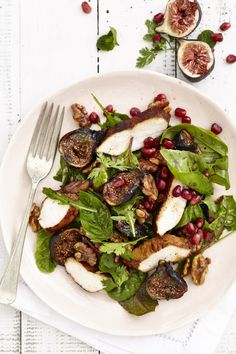 Honey Roasted Fig & Walnut Salad with Balsamic Chicken Fig Salad, Meat Salad, Soup And Salad, Fig Recipes, Salad Recipes, Cooking Recipes, Salad Places, Roasted Figs, Balsamic Vinegar Chicken