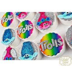 I can't stop the feelin'! 💜💙💗💛💚 Trolls themed chocolate covered Oreos for Antonella's birthday celebration! Chocolate Covered Treats, Chocolate Dipped Cookies, Chocolate Diy, Chocolate Covered Strawberries, Trolls Birthday Party, Troll Party, 5th Birthday, Birthday Celebration, Oreo Treats