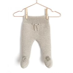 NUR Knitted baby Legging -Pattern & Tutorial – : Learn How to Make this Knitted Baby Legging using Garter Stitch. FREE Step by Step Tutorial & Pattern. Designed to turn heads! Baby Cardigan, Baby Pullover, Knit Baby Pants, Knitted Baby Clothes, Baby Leggings Pattern, Knit Leggings, Leggings Store, Knitted Booties, Baby Booties