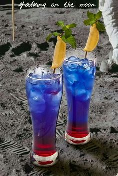 WALKING ON THE MOON Grenadine Blue Curacao Smirnoff Vodka  Mint  Lemon Slice