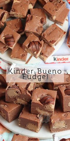 Easy Four Ingredient Chocolate Kinder Bueno Fudge! The post Kinder Bueno Fudge! appeared first on Kinder ideen. Tray Bake Recipes, Fudge Recipes, Baking Recipes, 13 Desserts, Dessert Recipes, Kinder Bueno Recipes, Janes Patisserie, Homemade Chocolate, Sweet Recipes
