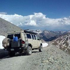 gotta find more cool vans 4x4 Camper Van, 4x4 Van, Jeep Suv, Off Road Adventure, Ford 4x4, Vans Style, Great View, Campervan, Van Life