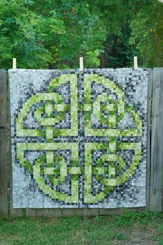 Celtic Puzzle quilt by Valli & Kim