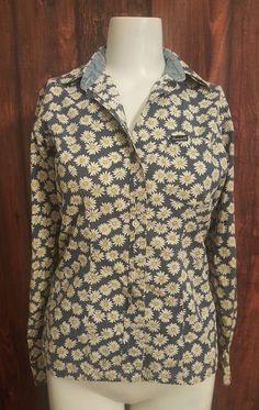 a2cc377e0ffa Women s Faconnable Daisy Flower 100% Cotton Button Down Shirt XS Blue  Career Fun  Faconnable