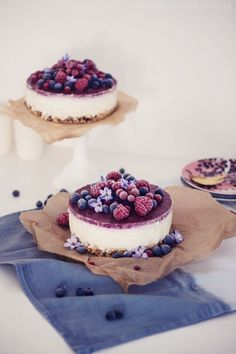 ... creamy cheesecake with frozen berries ...