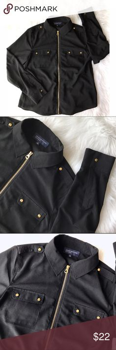 Jones NY Signature Black Gold Zipper Blouse Top L Unique style.  100% polyester.  Full zip front.  Gold accents throughout.  Size L. B12 Jones New York Tops