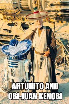 Sir Alec Guinness (Obi Wan Kenobi) & Kenny Baker behind the scenes on Star Wars March, Tunisia Star Wars Rebels, Star Wars Episoden, Stormtrooper, Darth Vader, Stargate, Star Ears, Alec Guinness, Episode Iv, Original Trilogy