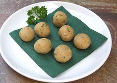 Polévkové knedlíčky ze strouhanky recept - TopRecepty.cz Baked Potato, Pear, Food And Drink, Potatoes, Baking, Fruit, Vegetables, Ethnic Recipes, Potato