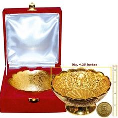 Link: http://diviniti.co.in/en/bowl Holi gifts in these royal developed gold plated bowls for your family and friends. THese help project a toyal feeling off onto the person you gift them to. Made beautifully and crafted into a 24 carat gold plated bowl, these are presented in velvet gift box and they also make for a pretty art piece.