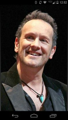 Many positive thoughts to Vivian Campbell (def Leppard guitarist) for his battle against cancer...