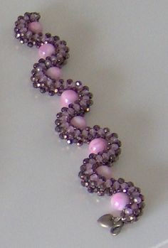 Pretty Bracelet~no tutorial here, but maybe someone can figure out how to make this ... G I R L S ?!