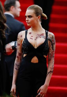 Cara Delevingne Photos Photos: 'China: Through The Looking Glass' Costume Institute Benefit Gala - Outside Arrivals Delevigne Cara, Cara Delevingne Tattoo, Actrices Sexy, Costume Institute, Celebs, Celebrities, Vogue, Girl Tattoos, Sleeve Tattoos