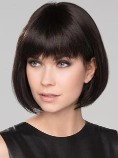 These 14 Blunt Cut Bob Haircuts Are Trending in 2019 - Style My Hairs Bob Style Haircuts, Bob Haircuts For Women, Bob Hairstyles For Fine Hair, Short Hairstyles For Women, Easy Hairstyles, Chin Length Cuts, Silver Haired Beauties, Corte Bob, Love Your Hair
