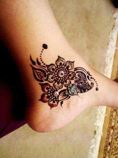 Cute foot henna