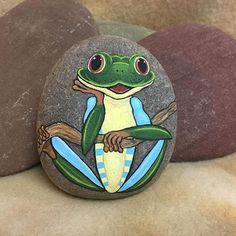 #frog #treefrog #handpainted #paintedrock #rockinart58