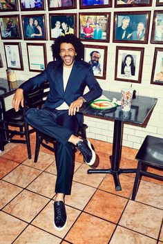 <em>Hamilton</em>'s Daveed Diggs Is the Most Charismatic Person in the Room