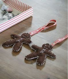 Easy to make: felt gingerbread men
