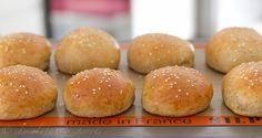 Homemade whole wheat buns! Yes, please! http://chocolateandcarrots.com/2011/07/whole-wheat-hamburger-buns