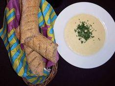 En lækker supper gør altid godt. Prøv vores hvidkålssuppe med grahamsflutes til.
