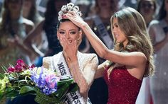 Miss South Africa Demi-Leigh Nel-Peters has been crowned Miss Universe 2017 Demi-Leigh Nel-Peters (born 28 June is a South African model and beauty qu Miss Universe Crown, Demi Leigh Nel Peters, Miss Colombia, We Have A Winner, Planet Hollywood, African Models, Miss Usa, Miss World, Beauty Pageant