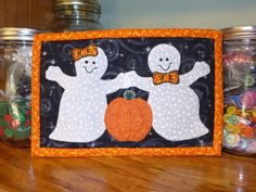 Ghost Halloween mug rug pattern, halloween mini quilt #halloween #miniquilt #mugrug