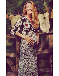 Pregnancy Blake Lively and Ryan Reynolds are having a baby - Vogue Australia #BlakeLively