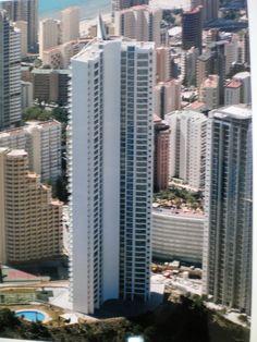 la torre lgano es un edificio residencial de benidorm alicante espaa posee