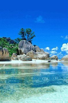 jolicoeurviolet:  Le paradis … La Digue  …