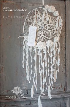 Now that is a dream catcher I could hang in my window Doily Dream Catchers, Dream Catcher Mobile, Dreamcatchers, Doilies Crafts, Lace Doilies, Crochet Dreamcatcher, Shabby Chic Crafts, Diy Arts And Crafts, String Art