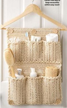Ravelry: Bathroom Door Organizer crochet pattern by Debra Arch 30 Handy Designs and Craft Ideas to Keep Homes Organized and Neat Bathroom Organizer DIY Crochet Bathroom Door Organizer - instructions in the August 2013 issue of Crochet World. Crochet Diy, Crochet World, Crochet Home, Crochet Crafts, Crochet Projects, Crochet Ideas, Ravelry Crochet, Crochet Birds, Crochet Tutorials