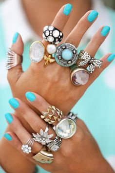 We have some serious silver finger candy here and turquoise nails to boot! Jewelry Box, Jewelry Accessories, Fashion Accessories, Fashion Jewelry, Jewelry Rings, Boho Jewellery, Gypsy Jewelry, Jewelry Party, Simple Jewelry