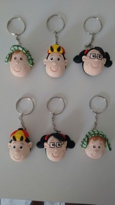 Chaveiro turma do Chaves. | Sueli Prado Biscuit | Elo7 Jumping Clay, Pasta Flexible, Air Dry Clay, Clay Charms, Polymer Clay Earrings, Creative Crafts, Biscuits, Crafts For Kids, Christmas Ornaments