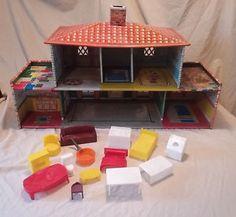 T Cohn Spanish Colonial Tin Litho Dollhouse Furn wbr iture Garage Door 1949 VTG Marx Red And White Kitchen, Vintage Dollhouse, Spanish Colonial, Kitchen Sets, Dollhouse Furniture, Dollhouses, Tin, Garage Doors, Diy Kitchen Appliances