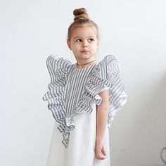 Delicate cotton lined dress # ❤️ extravagant and very comfortable, ideal for holidays, walks . Little Girl Fashion, Toddler Fashion, Kids Fashion, Queer Fashion, Little Girl Dresses, Girls Dresses, Moda Kids, Kids Gown, Cute Baby Clothes