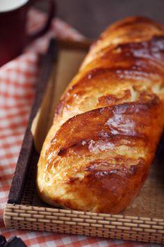 Hier, je vous présentais le dernier four vapeur d'Electrolux et voici aujourd'hui les baguettes viennoises que j'ai réalisées avec. J'ai testé 2 programmes French Crepes, French Pastries, Baguette, Donuts, Brioche Bread, Crepe Recipes, Electrolux, Sweet Bread, International Recipes