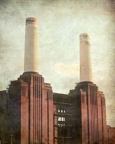 Battersea Power Station print, London Art Deco iconic building, Pink Floyd cover, architecture of London Thames