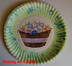 A Cute paper plate craft for kids, just in time for Mother's Day! These flowers will not wilt and will remind mom that she is special for a long time. Flower Boxes, Flowers, Paper Plate Crafts For Kids, Mothers Day Crafts, Paper Plates, Decorative Plates, Diy Crafts, Mom, Tableware