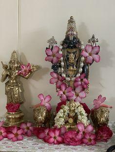 Diwali Decorations At Home, Flower Decorations, Hindu Statues, Lord Balaji, Sai Baba Photos, Pooja Room Design, Puja Room, Jewelry Design Earrings, Lord Vishnu