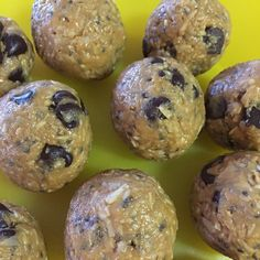 Coach's Oats energy bites by @alinoel_bbg Thank you for sharing your recipe. Key ingredients include: Coach's Oats, PB, honey, chia, vanilla, chocolate chips, and coconut flakes.