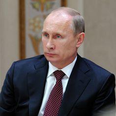 Растущая политическая активность является плюсом, считает Путин