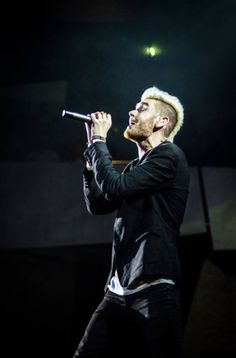 Colton Dixon To Return To American Idol Stage April 7th