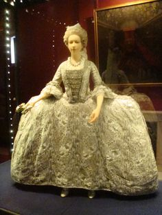 Royal Attire - Vintage Fashion -  Kensington Palace Exhibition
