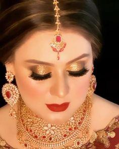 Pakistani Bridal Makeup, Indian Wedding Makeup, Glitter Eye Makeup, Glossy Makeup, Wedding Makeup Looks, Bridal Hair And Makeup, Bride Makeup, Smokey Eye Makeup, Silver Makeup