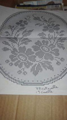 Crochet Doily Patterns, Crochet Mandala, Lace Patterns, Crochet Doilies, Crochet Lace, Filet Crochet, Celtic Cross Stitch, Crochet Tablecloth, Cross Stitch Flowers