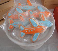 boy's plane themed birthday cookies www.spaceshipsandlaserbeams.com