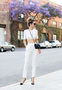 How Every Body Type Can Wear Crop Tops: A Complete Guide   Hourglass If you've got a teeny-tiny waist and the rest of you is relatively normal-sized, congrats--you won the crop top lottery. Shorter crop tops and mid-rise bottoms (pants, skirts) look best on you—don't shy away from showing off your small waist. Avoid longer and looser-fitting crop tops, as they'll just tend to swallow you whole.