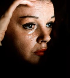 Judy Garland in A Star is Born directed (George Cukor, 1954)