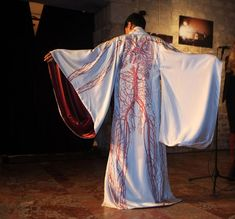 Kimono featuring the human arterial system designed by FMR for an exhibition in France, called Silk Me Backat the Nesle Gallery. Created to support victims of the Fukushima nuclear plant disaster, this exhibition featured 25 stunning kimonos like the one above.